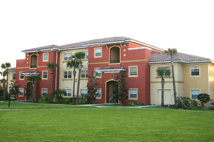 Leasing apartments near cocoa beach satellite beach for Beach house designs satellite beach fl